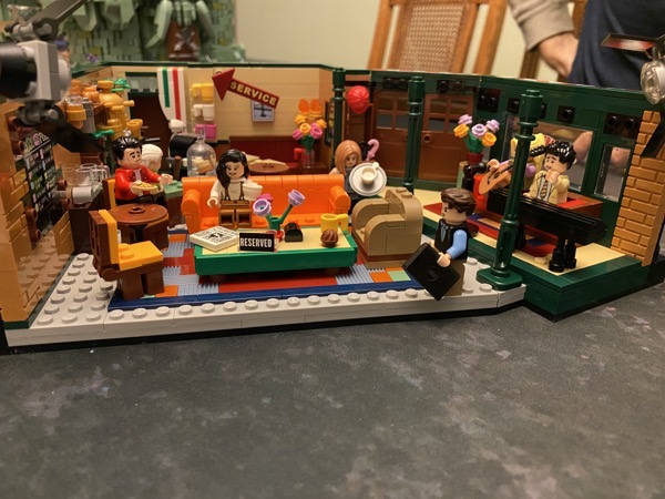 F•R•I•E•N•D•S Central Perk Lego set.